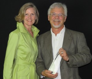 Maureen Neal, COO of Advancement for The Daily Planet, with Marc Taylor, LPC, recipient of the 2015 Provider of the Year Award.